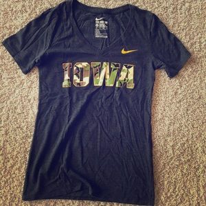 Iowa Hawkeyes Nike v-neck tee